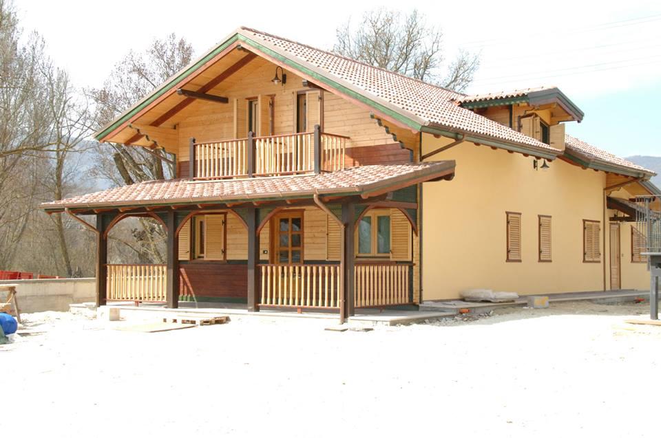 Top case din lemn realizate