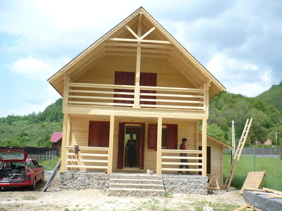 Case lemn 14 case din lemn constructii harghita lemacom for Modele de balcon din lemn